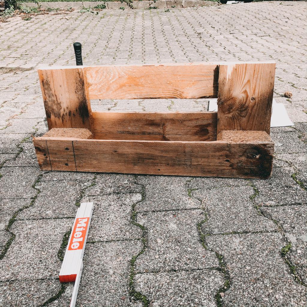 Schritt 2 DIY Weinregal aus Paletten