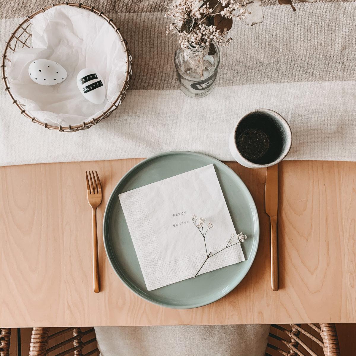 Tischdeko personalisierte Servietten Ostern